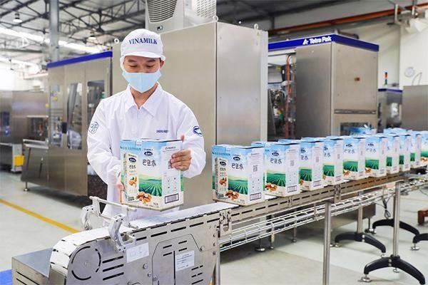 nhà kho thông minh trong quy trình sản xuất sữa Vinamilk