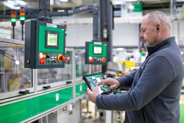 Tính kết nối. Đây được coi là đặc trưng nổi bật nhất tạo ra sự khác biệt giữa nhà máy thông minh